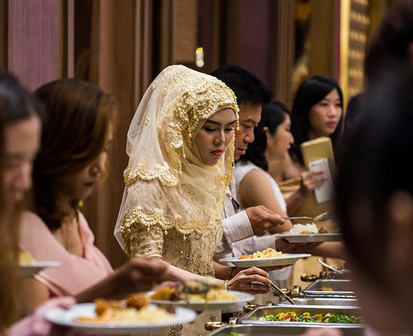 Tourism to food, Buddhist Thailand hunts halal gold